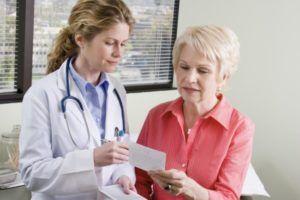 Перед терапии необходимо посетить врача и сдать все анализы для лабораторного исследования
