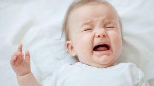 Дети грудного возраста выразить болезненные ощущения могут только плачем