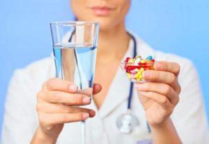 Лекарство принимается внутрь, запивается водой
