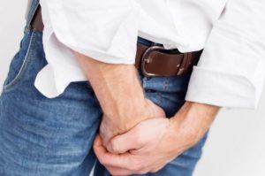 Болевой синдром охватывает паховую область и анальное отверстие