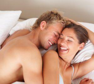 Заражение мужчин хламидиями происходит обычно при половом акте.