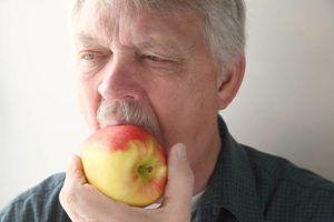 немытое яблоко